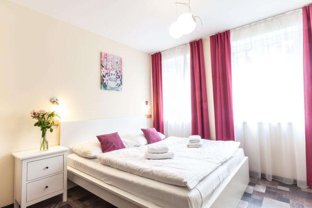 Zweibett Apartment mit Badewanne